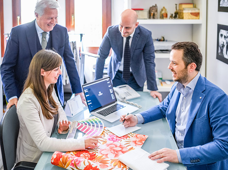 Agenzia leader in Italia per progettazione, sviluppo,<br>sourcing e controllo di produzioni tessili